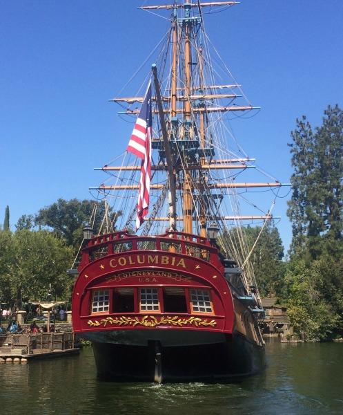 disneyland-columbia-ship