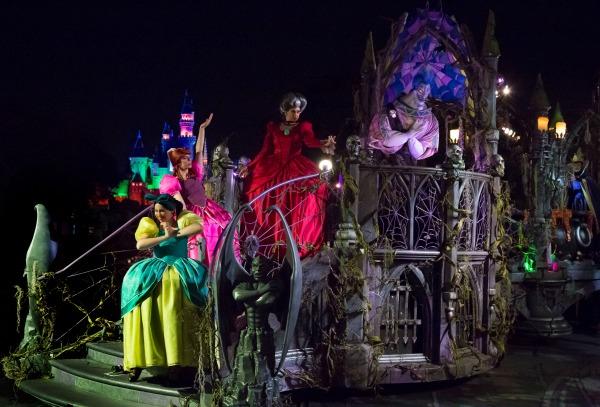 mickeys-halloween-party-parade