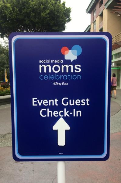 disney-social-media-moms-celebration-sign