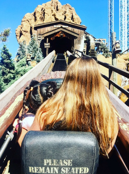 knotts-spooky-farm-timber-mountain