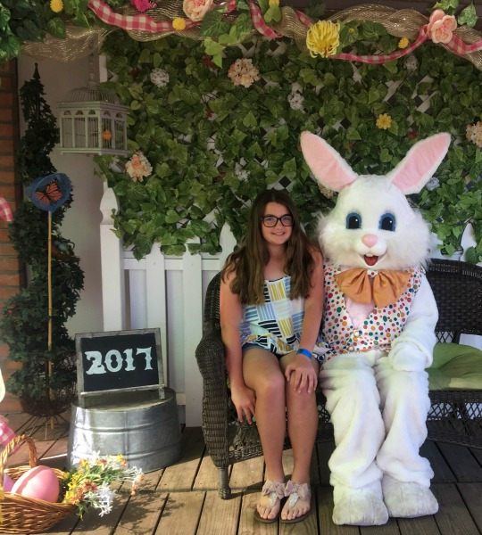 irvine-park-railroad-easter-eggstravaganza-easter-bunny-photo-2017