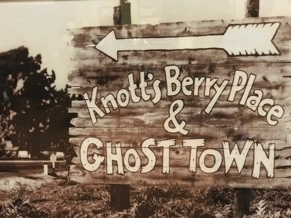 knotts-boysenberry-festival-berry-place-and-ghost-town