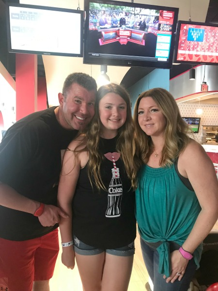 splitsville-luxury-lanes-orlando-family-photo