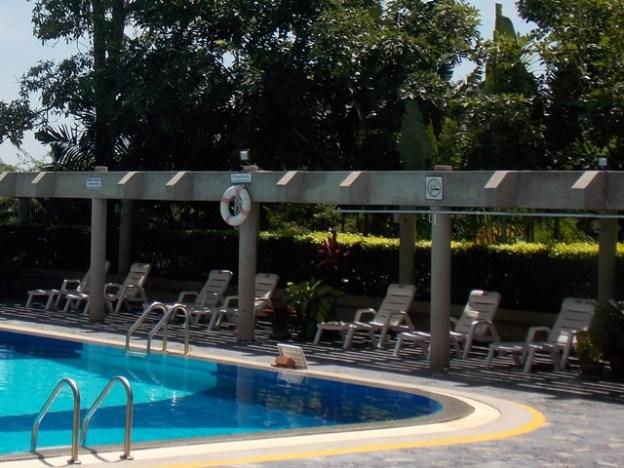 Zwembad aan zee VIP Condochain