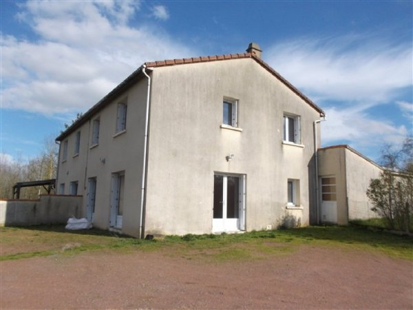 House for Sale in Boisme, Poitou-Charentes, France