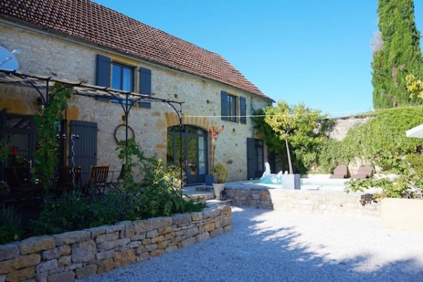 Villa for Sale in Cenac-Et-Saint-Julien, Aquitaine, France