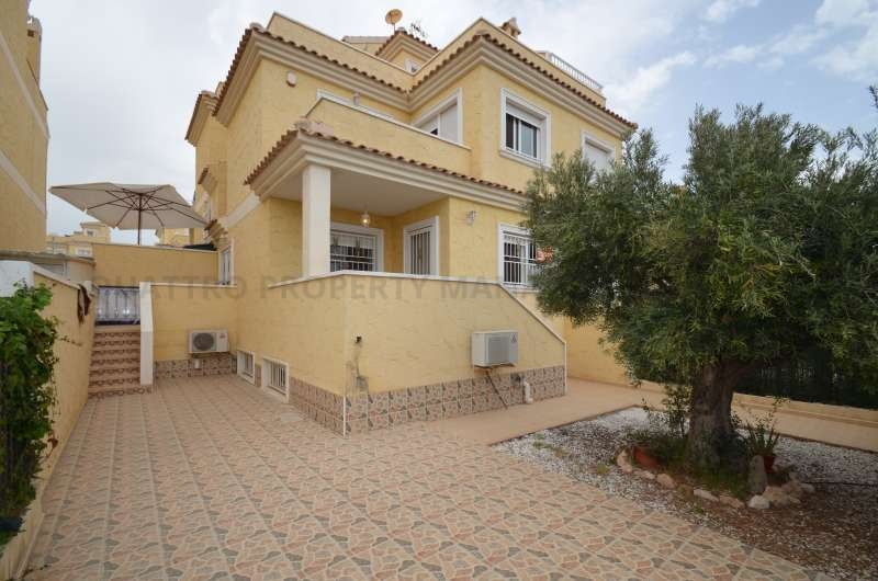 Town House for Sale in Torrevieja, Valencia, Spain