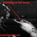 Seria esta estrutura um prédio na superfície lunar? 2