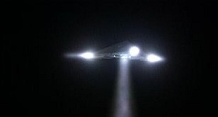 Confirmado incidente de OVNI triangular com a Marinha dos EUA