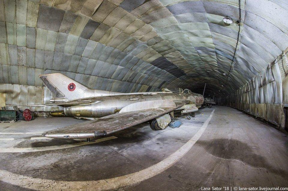 realidade oculta de bases militares subterrâneas