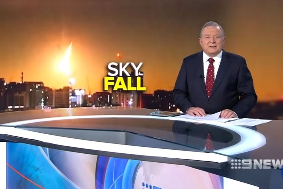 Uma enorme bola de fogo caiu no sul da Austrália na noite de terça-feira. Uma rocha espacial queimou na atmosfera da Terra e iluminou o céu noturno das cidades de Adelaide e Melbourne.