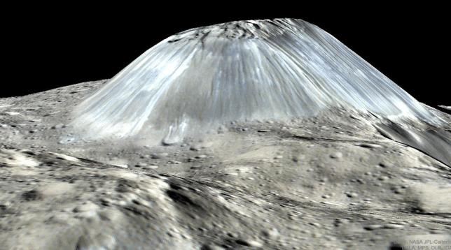 """NASA revela imagem de asteroide """"como nada que a humanidade tenha visto antes"""""""