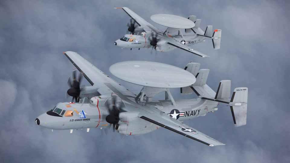Encontros com OVNIs pelos pilotos militares ocorreram constantemente, com múltiplas esquadrilhas 1