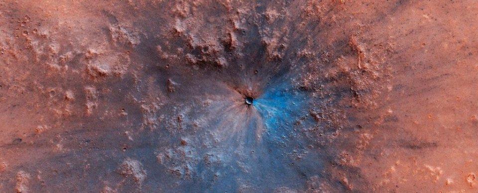 Astrônomos encontram nova cratera em Marte diferente de tudo que já viram