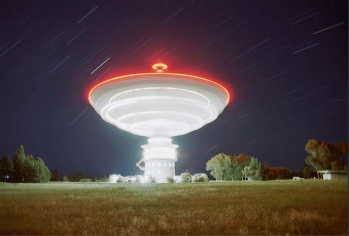 Procura por sinais de rádio de ETs através do SETI é uma falácia