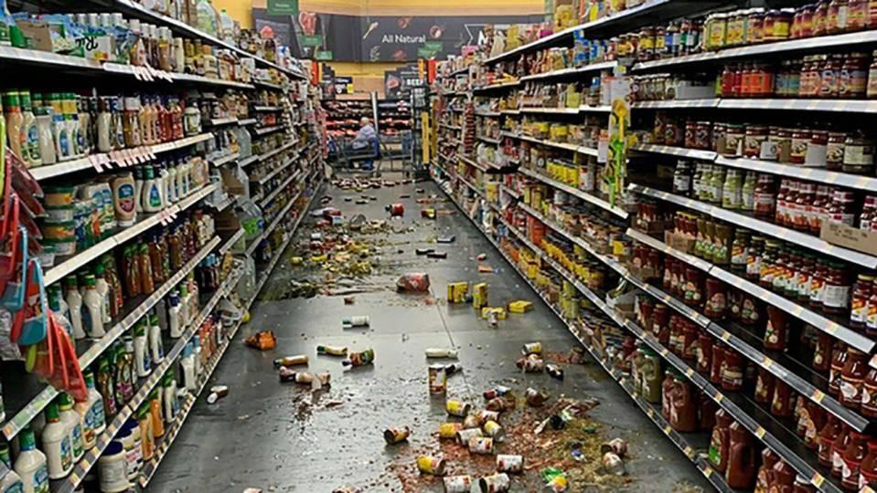 Forte terremoto atinge a Califórnia - EUA