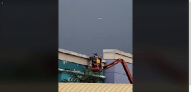 Panamá - OVNI é filmado próximo a shopping center