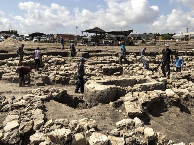 """Arqueólogos israelenses dizem ter descoberto uma """"Nova Iorque da Idade do Bronze"""""""
