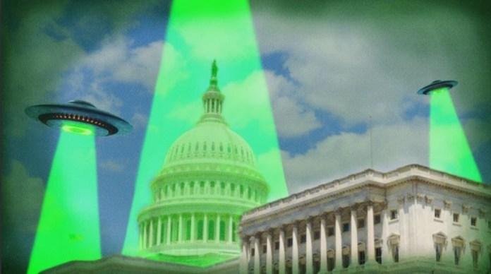 Teríamos alcançado a massa crítica para a revelação dos OVNIs?