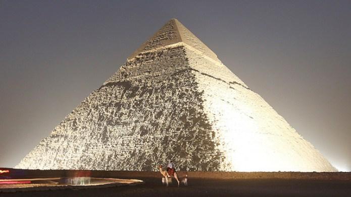 O que eles viram dentro da Grande Pirâmide os deixou aterrorizados