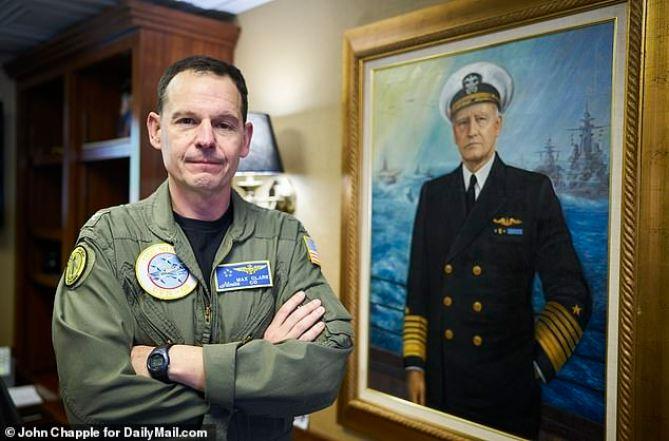 Capitão do USS Nimitz diz que é obrigação verificar espaço aéreo quanto aos OVNIs