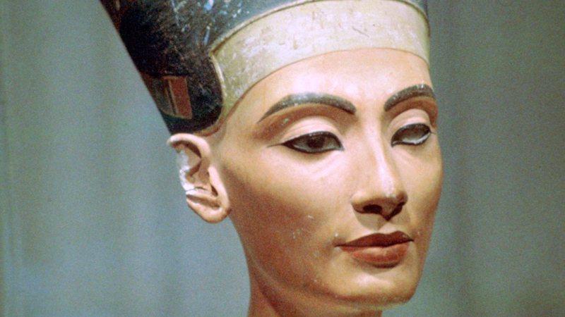 Possível túmulo de Nefertiti foi encontrada na tumba de Tutancâmon