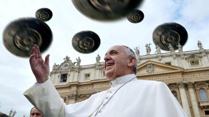 O que ocorreu durante a conferência sobre ETs no Vaticano?