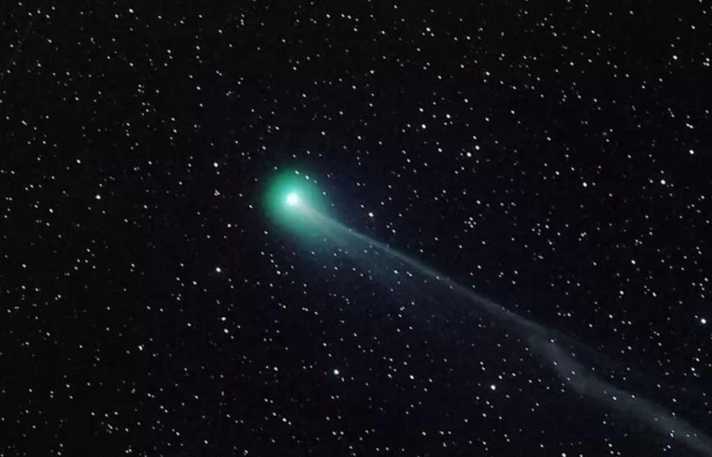 Os cometas Swan e Atlas são legais, mas podem ser perigosos para a Terra