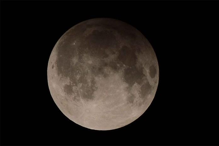 """Eclipse lunar coincidirá com """"Lua do Trovão"""", em 5 de julho"""