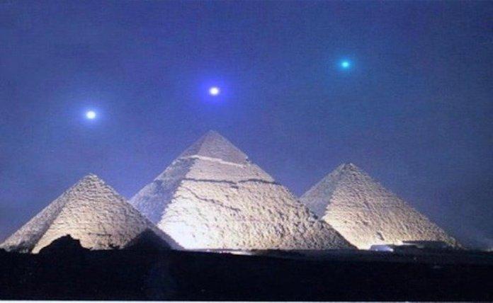 Por que os antigos egípcios consideravam Órion de grande importância?