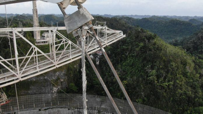 Plataforma de 900 toneladas pode esmagar famoso radiotelescópio