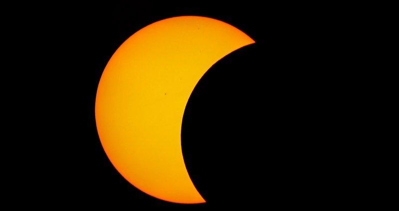 Lembrando a todos que hoje tem eclipse solar