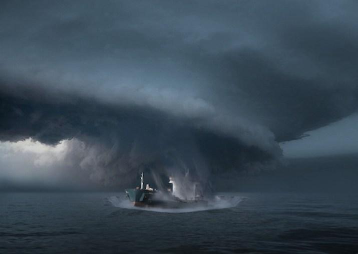 Barco misterioso com 20 pessoas desaparece no Triângulo das Bermudas