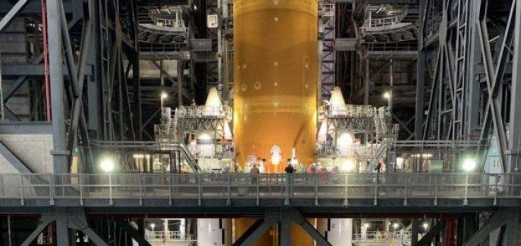 """Conheça o """"mega-foguete"""" montado pela NASA"""