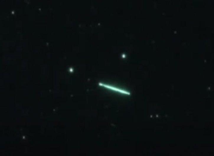 Enorme OVNI é filmado nos céu em Trout Lake, estado de Washington
