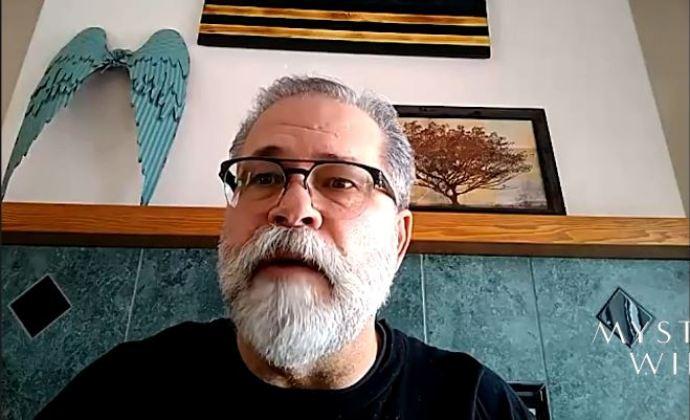 x-policial diz que o DoD tentou influenciar juiz na saga de OVNIs de Bob Lazar