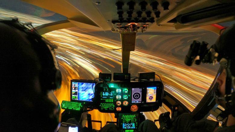 """Helicópteros da polícia de Tucson perseguem """"nave bizarra"""" com habilidades incríveis"""
