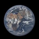 Así se ve un año en la Tierra desde 1,6 millones de kilómetros