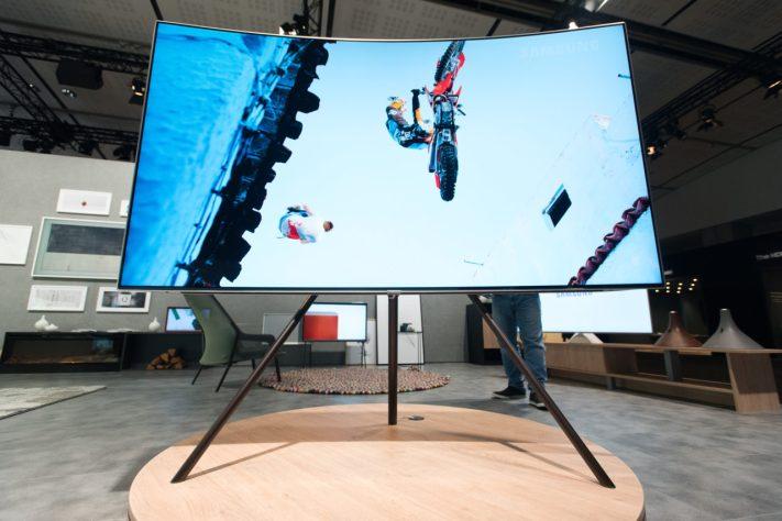 Samsung Studio Stand 1