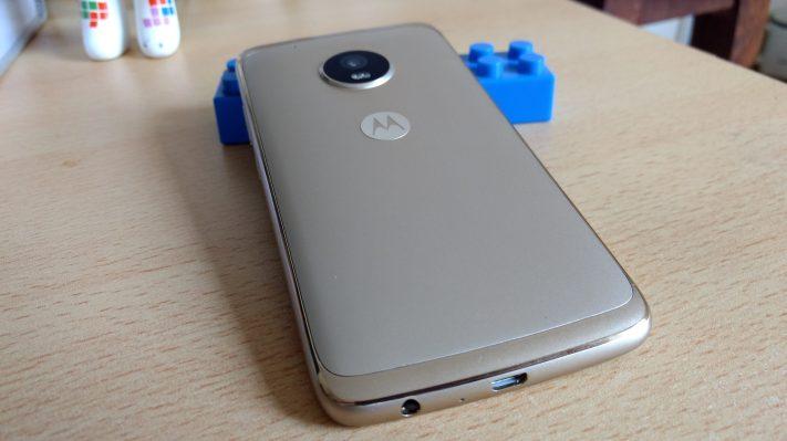 Moto G5 Plus diseño 1