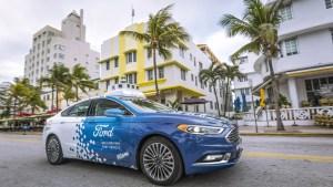 Ford auto sin conductor Miami