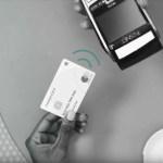 """Pagar con un """"toque"""": llegaron las tarjetas contactless a la Argentina para abonar sin pasarlas por el posnet"""