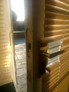 13 - Door complete
