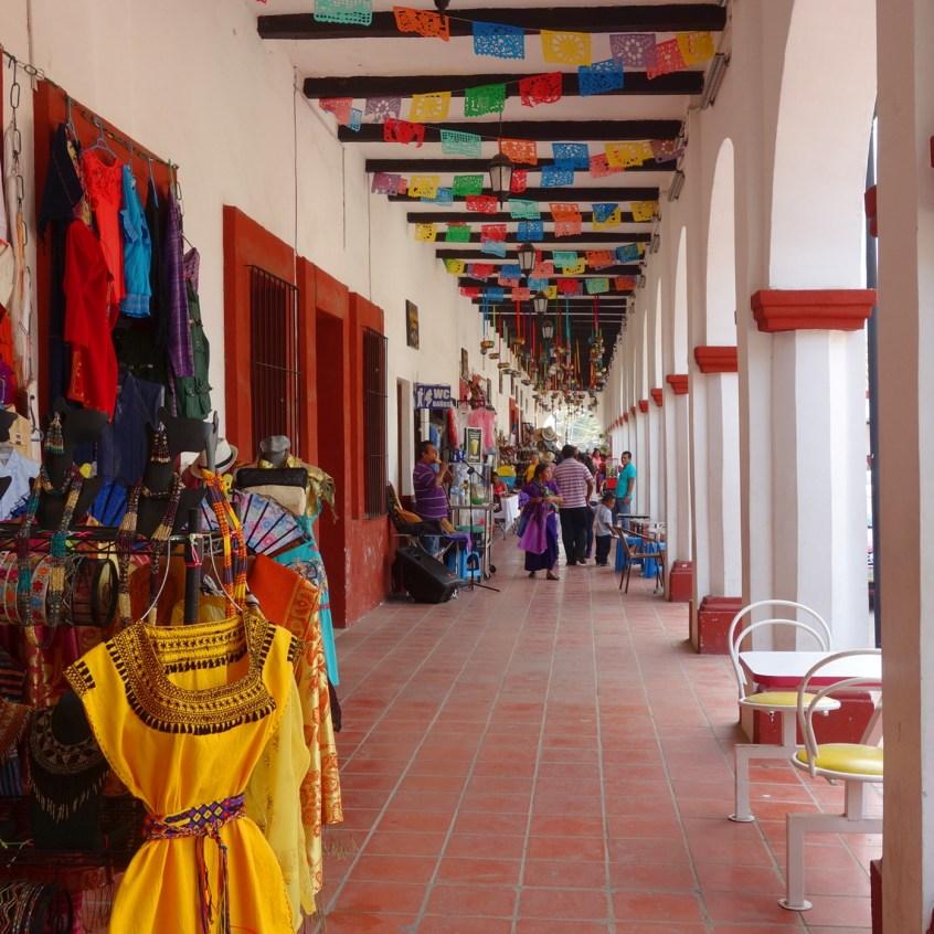 San Cristobal, Chiapa De Corzo: Bummel unter den historischen Arkaden, den Artesanías Portales an der Plaza Central