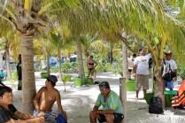 """Mexiko, Tulum, Akumal: """"Tourist Guides"""" warten auf die Touristen"""