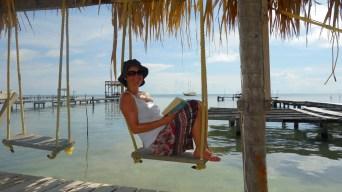 Belize, Caye Caulker: Abhängen beim Lesen