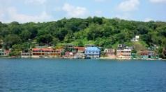 """Guatemala, Flores: Ein fast """"italienischer Anblick von """"unserer"""" Dachterrasse auf die gegenüberliegende Seite"""