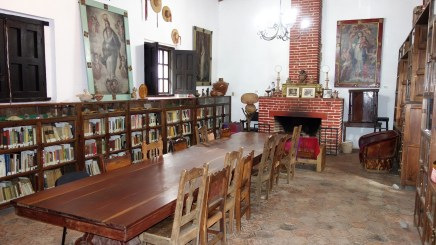 San Cristobal, Museum Na Balam: In der Bibliothek liess sich vortrefflich mit Gästen und Freunden diskutieren