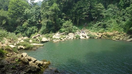 Palenque, Wasserfall Misol-Ha: Blick vom Wasserfall zum Eingang
