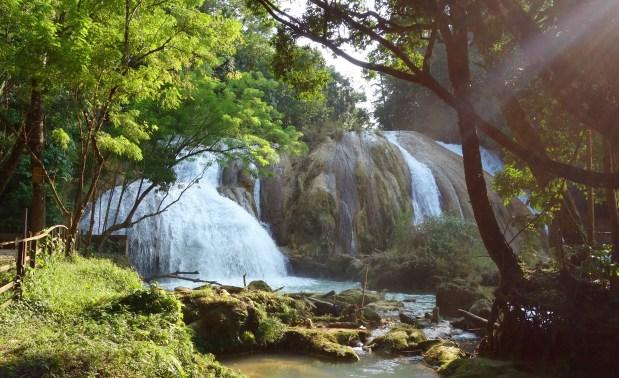 Palenque, Agua-Azul: Ein unglaublich schöner Anblick mit viel Wasser